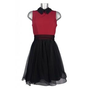 Robe évasée col et jupe noirs haut rouge