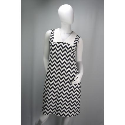 Robe trapèze zigzags noirs et blancs grand col revers blancs Hippocampe