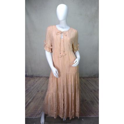 Robe longue en voile et dentelle beige rosé