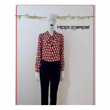 Haut chemisier col façon lavallière motif géométrique blanc noir rouge Hippocampe