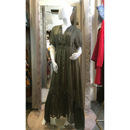 Robe chemise longue vert kaki satiné