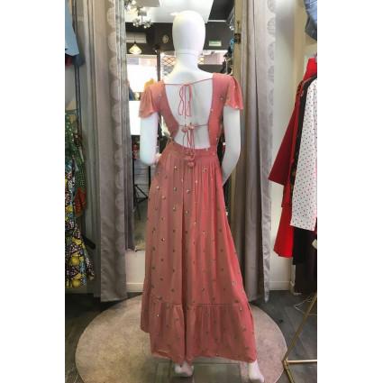 Robe longue tissu crêpe rose poudré ronds dorés dos décolleté Goa