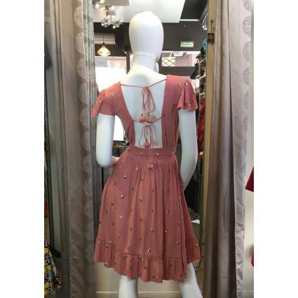 Robe courte tissu crêpe rose poudré ronds dorés dos décolleté Goa