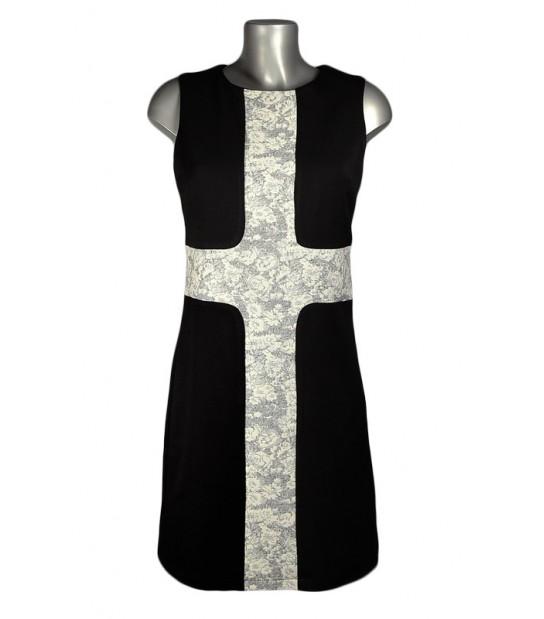 Robe trapèze noire croix dentelle