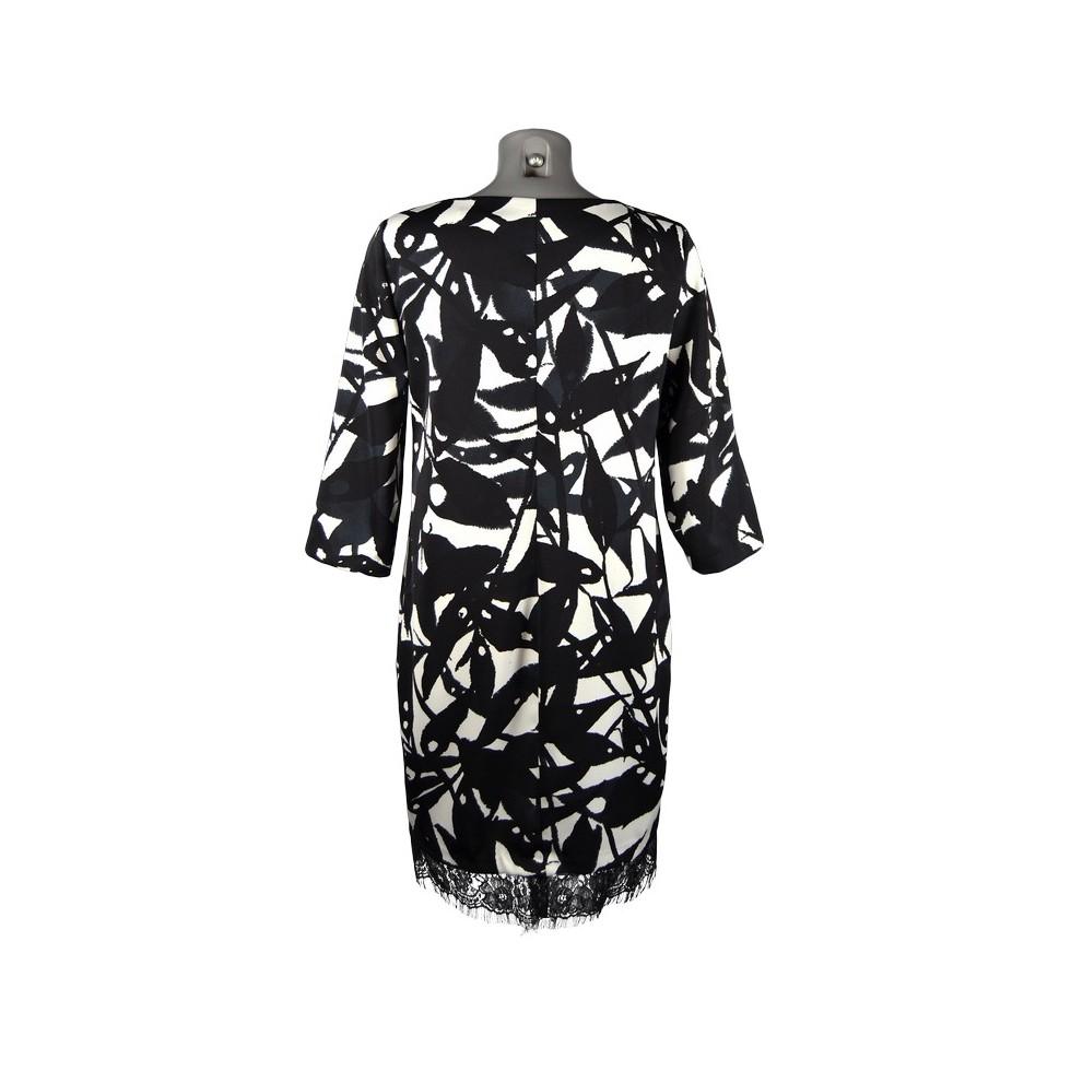 robe droite motif abstrait noir et blanc bas dentelle m 39 elle boutique. Black Bedroom Furniture Sets. Home Design Ideas